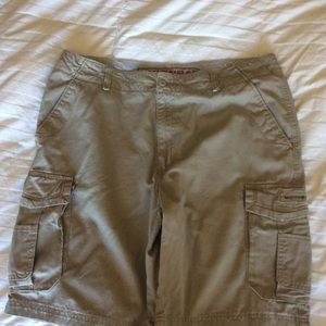 Unionbay cargo shorts men's (42)